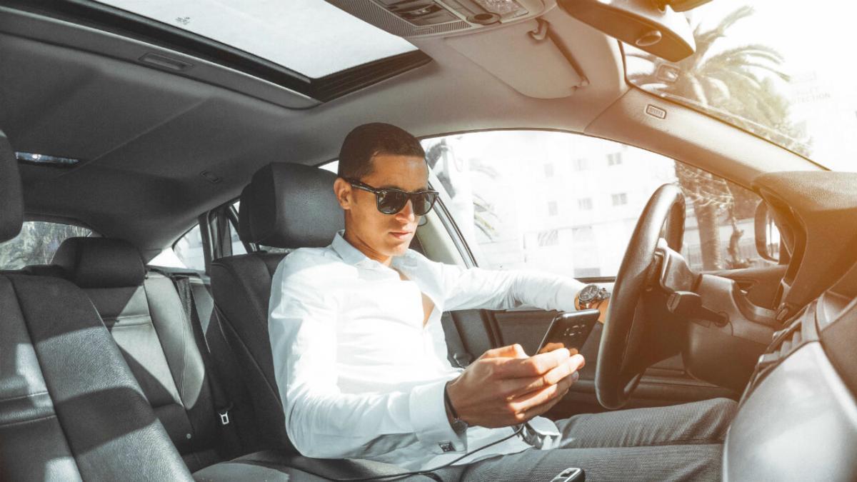 Cosas que no debes hacer en tu auto